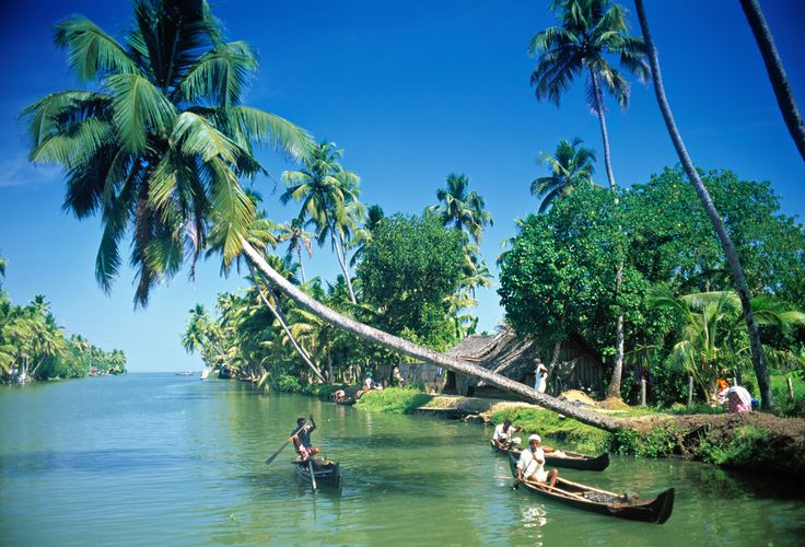 kerala is such a beautiful & peaceful place in India for Honeymooners.