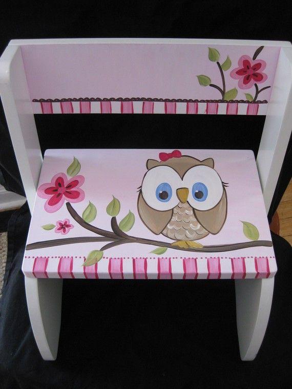 Buho feliz personalizada tirón silla por andrewandelladesigns