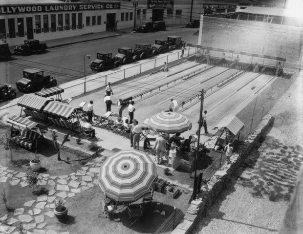 1929: Outdoor bowling alley, Hollywood