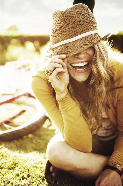 .: Summer Hats, Style, Straws Hats, Fedoras, Cute Hats, Senior Photos, Pictures, Smile, Portraits