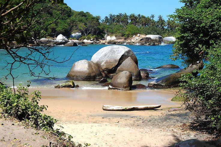 Parque TAYRONA www.exploringcolombia.com