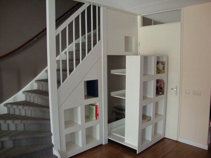 9 beste afbeeldingen over interieur idee n op pinterest inspiratie trappen en bakstenen muur - Idee deco hal met trap ...