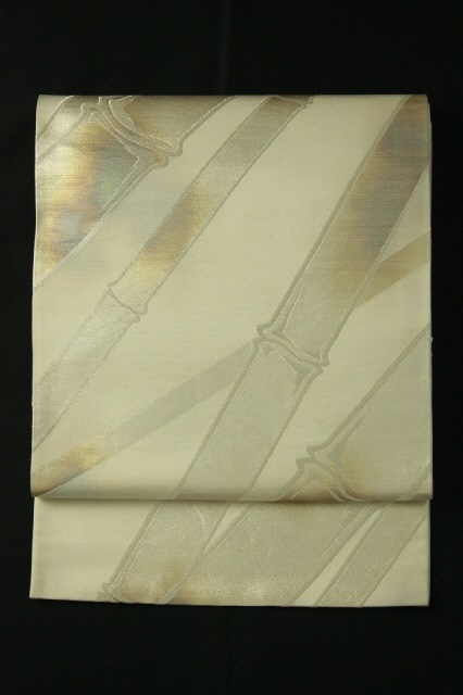 White gray fukuro obi / 灰白色地 鈍びた銀色の竹柄 六通袋帯   #Kimono #Japan http://global.rakuten.com/en/store/aiyama/