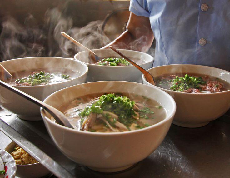 Vietnamesische Nudelsuppe Pho Bo – Saigon Stil   Asia Street Food – Asiatische Rezepte aus den Straßenküchen Vietnams, Thailands, Kambodschas, Myanmars und Burmas