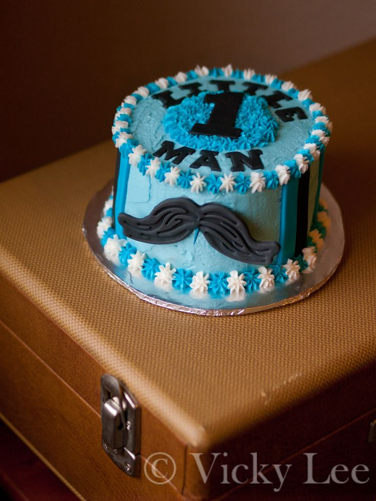 I made this mustache cake and cupcakes for my baby cousin's first birthday.