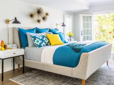 When it came time to decorate her own Los Angeles home, HGTV star Sabrina Soto channeled all her best tricks. HGTV Magazine takes you inside.