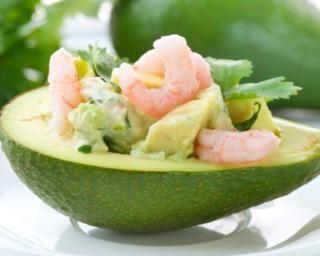 Avocat crevettes léger : http://www.fourchette-et-bikini.fr/recettes/recettes-minceur/avocat-crevettes-leger.html