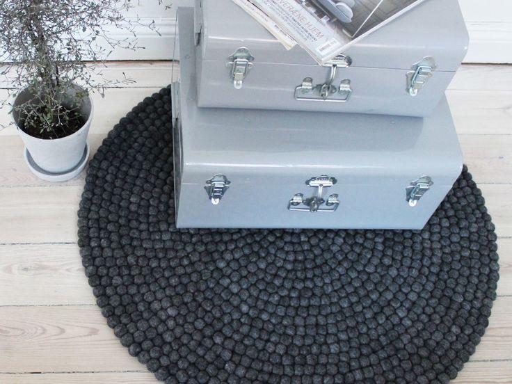 Charcoal Grey - Kugletæpper
