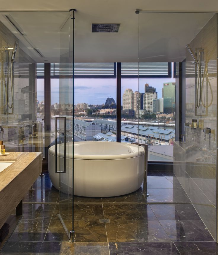 Sink into of gallery of the best hotel baths in luxury boutique hotels around Australia.
