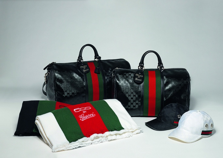 Travel accessories of Fiat 500 by Gucci collection: scarfs, bags and caps.  http://www.fiat500bygucci.com