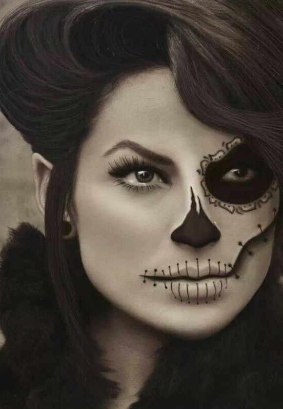 """DD says, """"She's a skeleton. She's bad!"""" (I guess all makeup is bad tonight!)"""