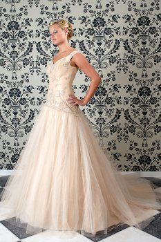 Chiffon Embroider Cheap colored wedding dresses