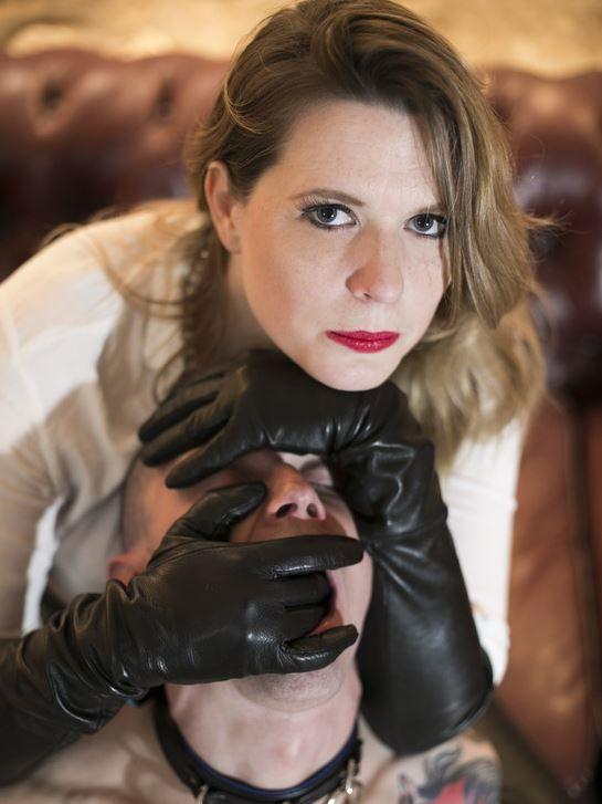 Mistress gloves