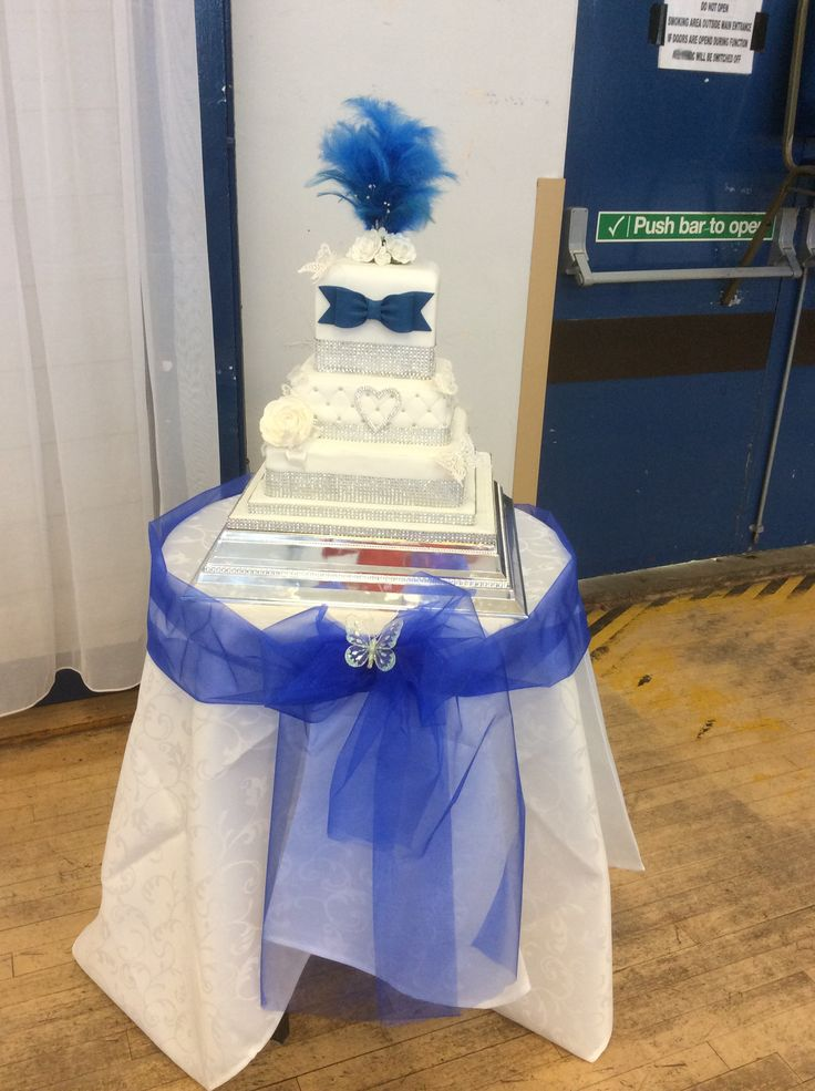 This is a wedding cake made by me again x