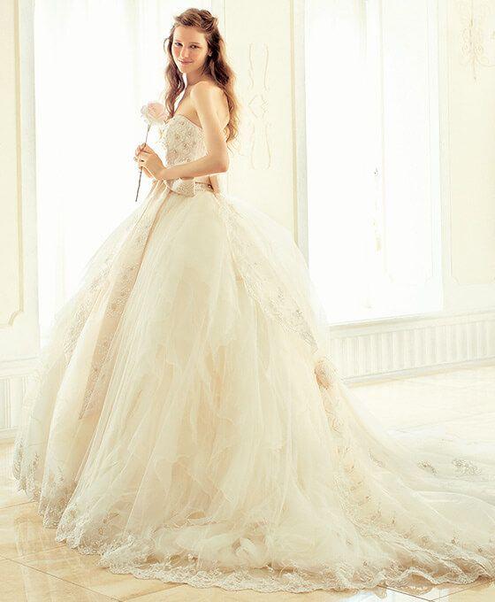 『シェーナ・ドゥーノ』が提案する永遠のフェミニン、大人スウィートの世界 DRESS3   結婚準備に関する総合情報サイト   ザ・ウエディング