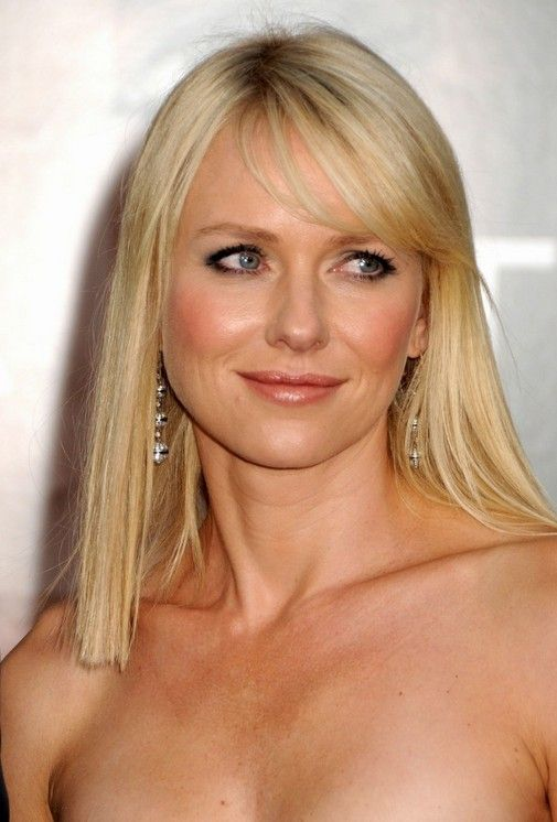 Celebrity Hairstyles: Casual Daily Long Hairstyle with Bangs for Thin Hair Popular long hairstyle for women over 40: You can't beat simplicity for timeless elegance and Naomi's evening look complements her natural, youthful appearance well! Her fine hair is cut into a long, same-length bob reaching just past the collar bone – a flattering length[Read the Rest]