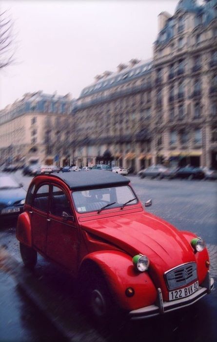 vintage red citroen in Paris...