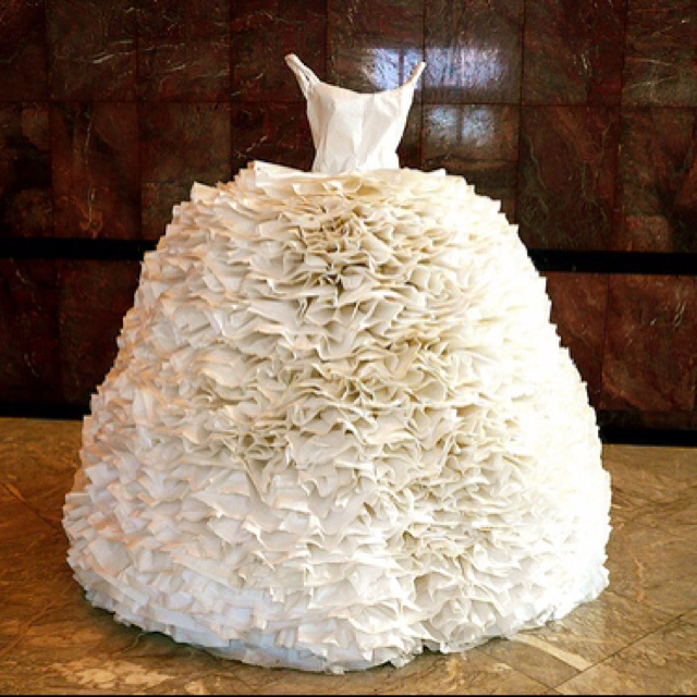 Life Size Mannequin Wedding Dress Cake
