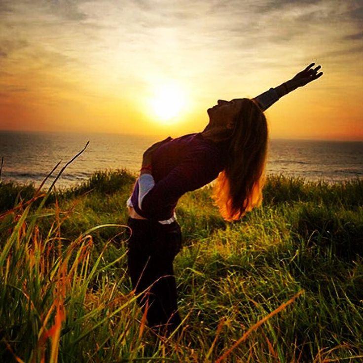 #Repost @yogajournal  Grateful for so much  credits  @janetstoneyoga @yogajournalevents    #greatful#gratefulheart  #yogalove #spreadtheyogalove#бохо#этно#винтаж#стиль#бохошик#мода##хиппи#вдохновение#йога#Йог#globaltriberetreats#tribe#globaltribe#yogaretreat#yogi#yogaeverydamnday#yogainparadise#lifeisgood#yogapose#wanderlusting#freeyourmind#dmt#lovelife#sunsetmadness #sunsetyoga# by globaltribe_retreats