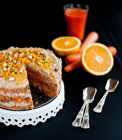 Oříšky sice něco stojí, ale dort je tak sytý, že vám ho bude stačit jen malý kousek. A zdraví za to stojí!; Greta Blumajerová