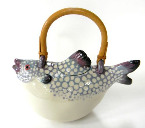 Tropical Fish Teapot Vintage Figural 1984….FOR SOME REASON MY TEA ALWAYS TASTED -- FISHY --  WHEN I USED THIS TEAPOT………..ccp