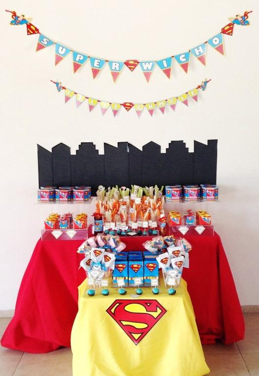 Mesa de dulces de Superman! | Party decoration | Pinterest
