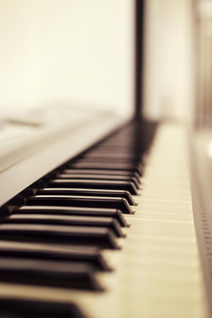 💡 Macro Photo of Piano Keys - get this free picture at Avopix.com    🆕 https://avopix.com/photo/37374-macro-photo-of-piano-keys    #keyboard instrument #piano #musical instrument #keyboard #upright #avopix #free #photos #public #domain