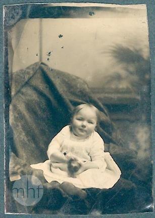 Portret dziecka. Autor nieznany. Stany Zjednoczone. 1876-1900. Utwór w domenie publicznej.