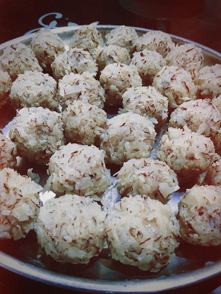 Coconut laddu