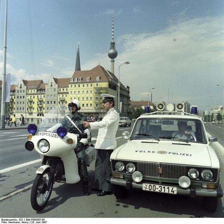 Volkspolizei in Ostberlin, 1987. Von denen hielt man sich am besten fern.