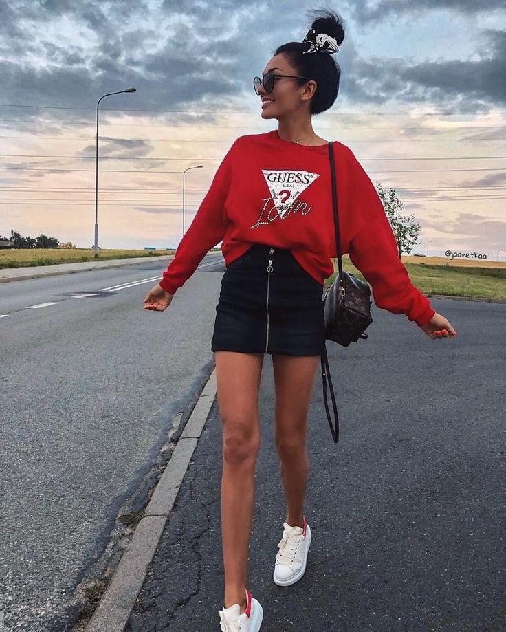 Foto Inspiração 🦋 Compre Moletom Feminino Online | Moletom feminino, Roupa estilo urbano, Looks com moletom