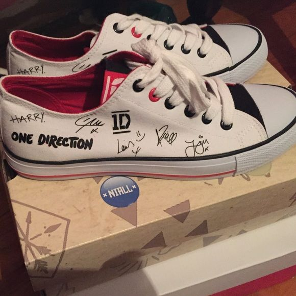 One direction converse Never worn, brand new Converse Shoes Sneakers