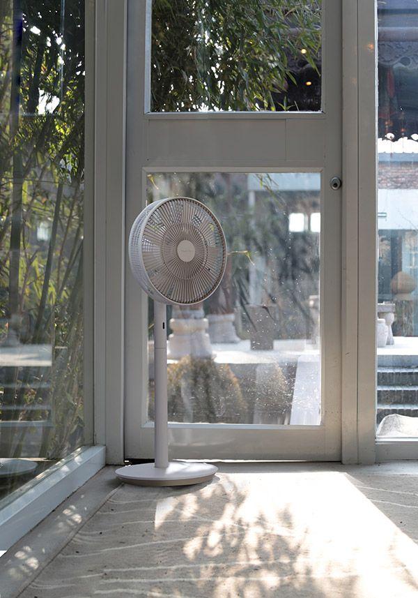 BALMUDA GreenFan Japan | 限定生産カラー「シャンパンゴールド」| やさしく趣のある色合いは、日本の家屋にも馴染む上品な仕上がり。メイドインジャパンの扇風機に特別なモデルが加わりました。