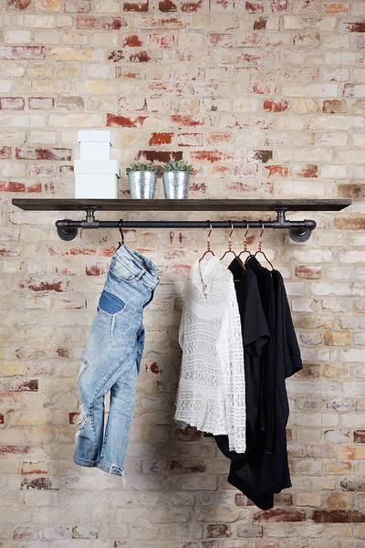 Kleider Aufhängen Stange die besten 25 kleiderstange wand ideen auf