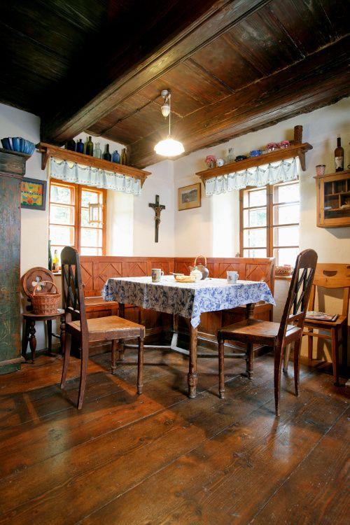 Rohové jídelní lavice   Chatař & Chalupář