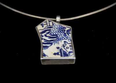dutch design jewelry  one of a kind and handmade by me!  Necklace 'in Holland staat een huis'  Silver and Delft's Blue pottery shard