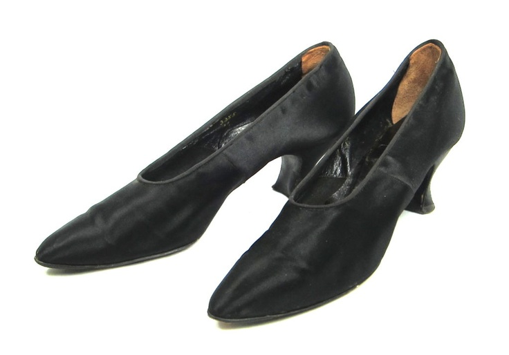 EDWARDIAN BLACK SATIN FORMAL SLIPPERS Louis heel sz 9  USA    Featured is a pair of high heeled shoes from the Edwardian period. They are by Andrew Alexander of New York, whose shop on 548 Fifth Avenue was established in 1857.