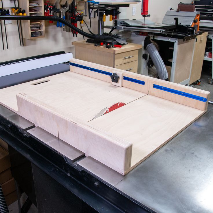 DIY Table Saw Sled with FREE PLANS!