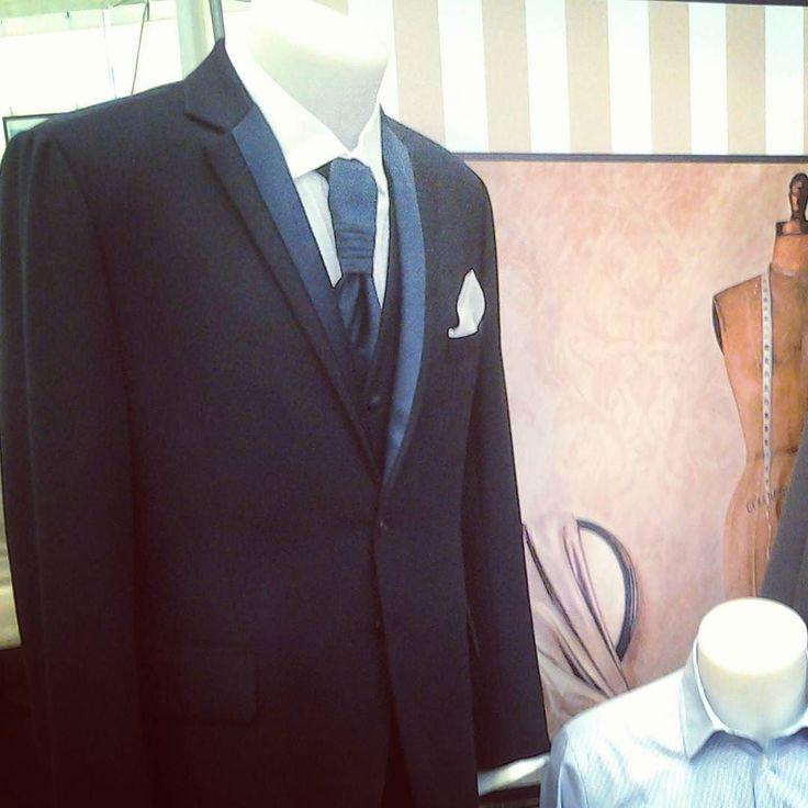 Vieni a scoprire la nostra area #moda! #fashion #fashionvictim #shopping #suit #vestito #cravatta #sartoria #sarto