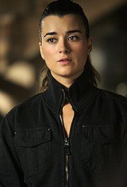 Ncis Season 7 Episode 2 Reunion. Three men die during what they called a bachelor party; one was a Marine staff sergeant; Gibbs and company investigate. The clues lead to a cop, who later dies. The gang find the pieces and put them together; Ziva rejoins the team.