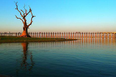 王国最後の都の面影を辿る:マンダレーの町角で