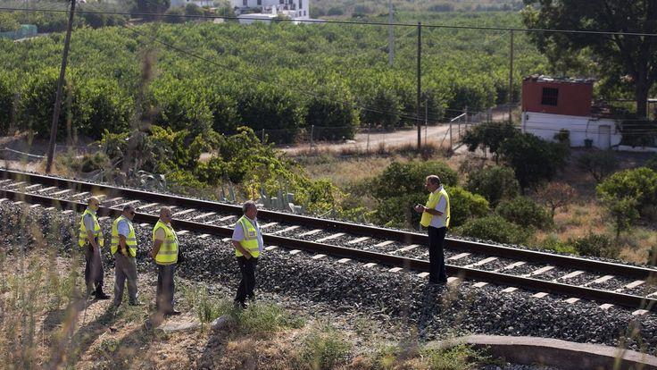 Los allegados a la familia de la niña desaparecida en Málaga: «Solo la perdieron de vista dos minutos»