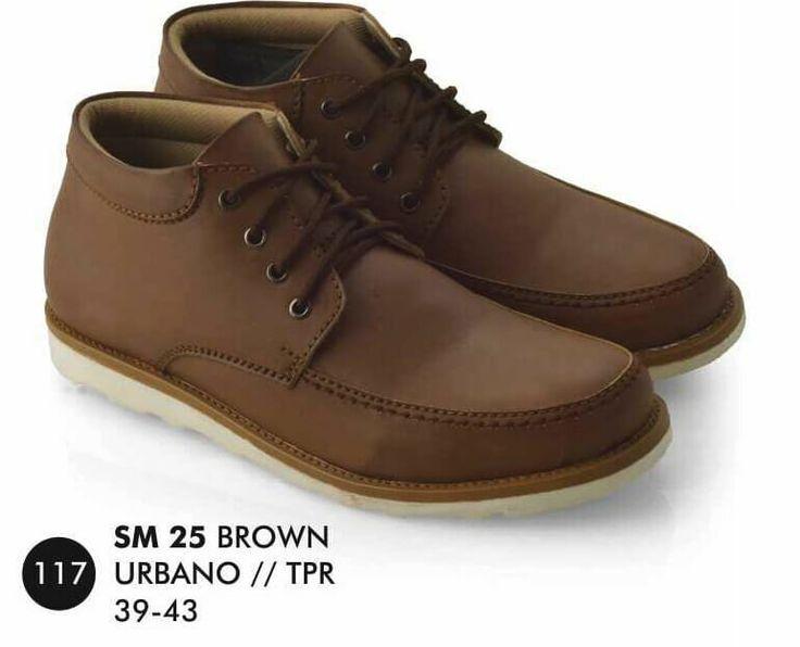 Sepatu Boot Pria merek Everflow brand asli Bandung. Nyaman digunakan dan bahan terbukti nyaman digunakan.  Silahkan order dan jangan lupa untuk cek stok terlebih dahulu.   Tersedia ukuran: 39 – 43  Warna: BROWN  Bahan: URBANO  TPR   Rp. 199.000
