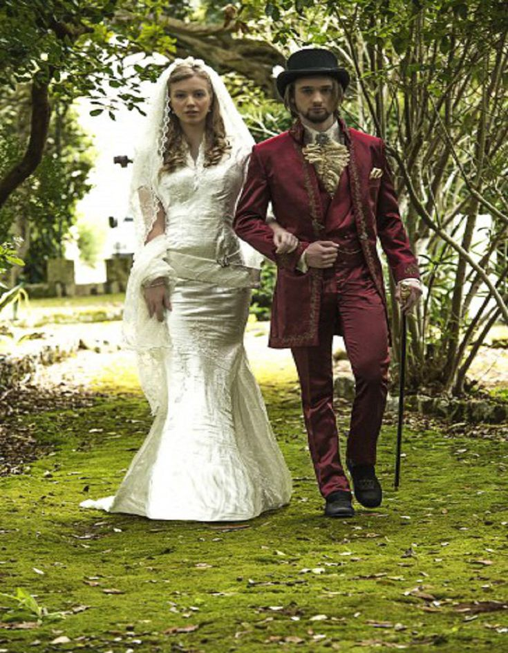 Aliexpress.com :  Gestickten Roten Anzug Barocco Stil Hochzeitsanzug Bräutigam Smoking Groomsman Anzug Nach Maß Mann Anzug (jacke + pants + weste) von verlässlichen vest dog-Lieferanten auf Custom-made Men's Suit Store kaufen