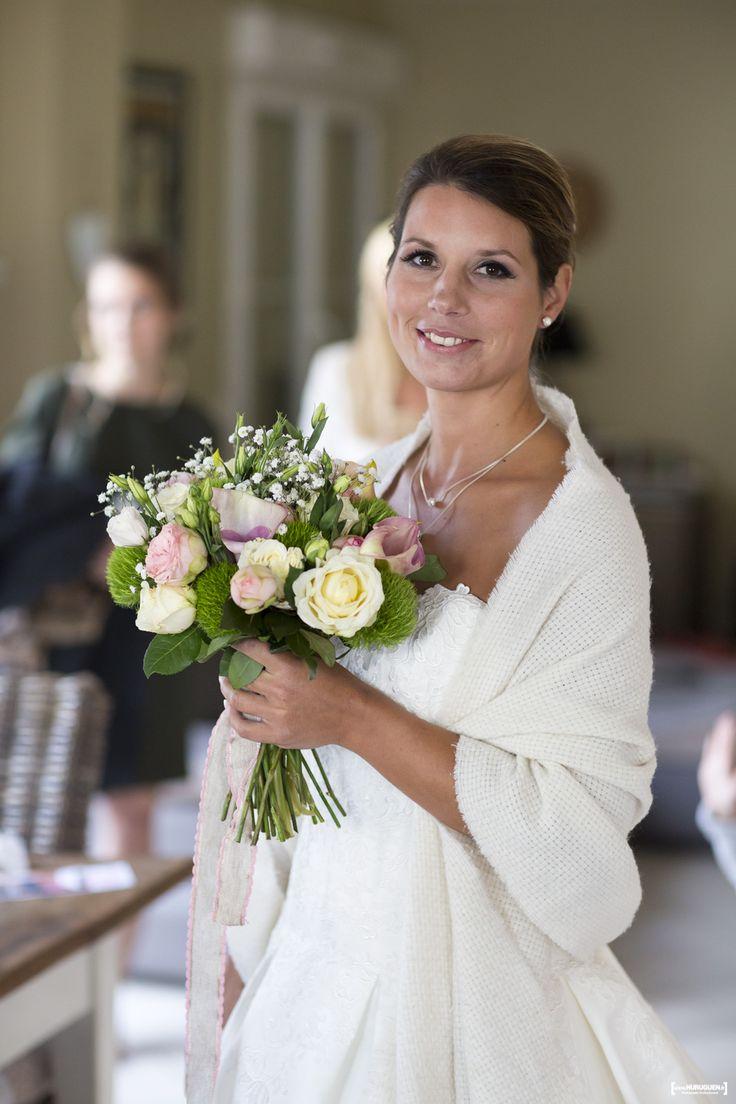 Galerie présentant les belles photos de préparatifs de la mariée le jour de son mariage, Sébastien Huruguen photographe professionnel de Mariage à Bordeaux.