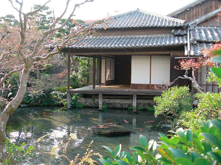 A traditional style house near shimabara castle shimeiso for Traditional japanese garden