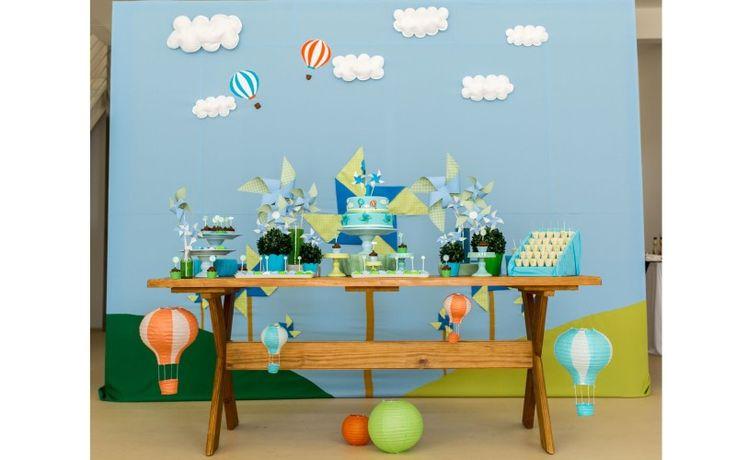 Festa de Aniversário do Rafael - Tema Cataventos e Balões Bolo Cenográfico Doces Enrolados Decoração da Festa Papelaria Personalizada