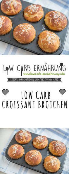 Low Carb Rezept für leckere, kohlenhydratarme Croissant-Brötchen. Low Carb, einfach und schnell zum Nachbacken. Perfekt zum Abnehmen.