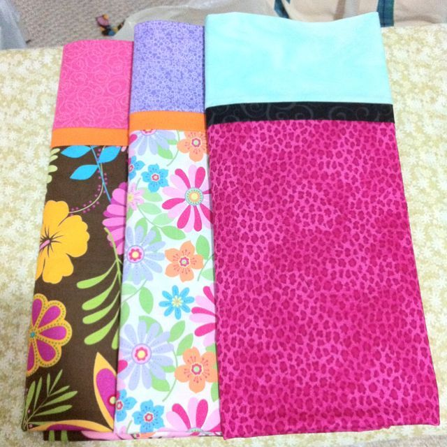 Homemade pillow cases...the tutorial is amazing!!