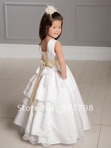 White flower girl dresses are definitely the best choices for flower girls when the brides wear white wedding gowns in the wedding parties. Description from bestmotherdress.com. I searched for this on bing.com/images
